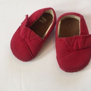 Red Toms size 3